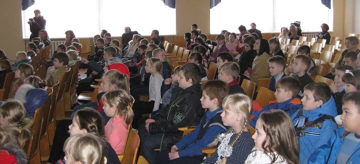 «Снежная королева» в школе №22 Гродно 2 февраля творческий коллектив театральной студии нашей воскресной школы выступил перед учениками начальных классов СШ № 22 г. Гродно.Подробнее