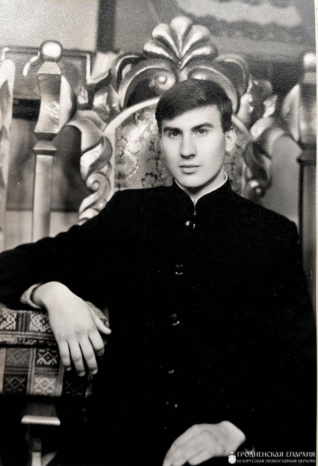 На первом курсе семинарии Слонимское фотоателье, 1990 год.
